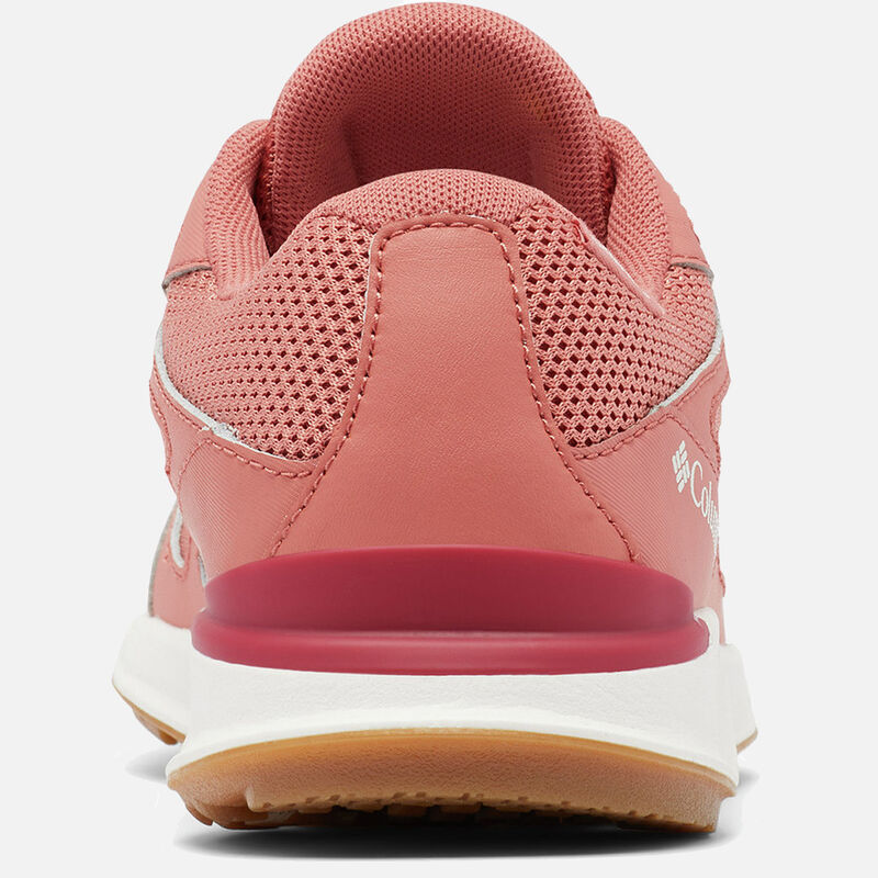 נעלי טיולים לנשים